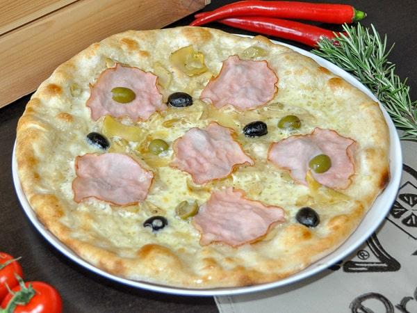 Пицца Ветчина и артишоки